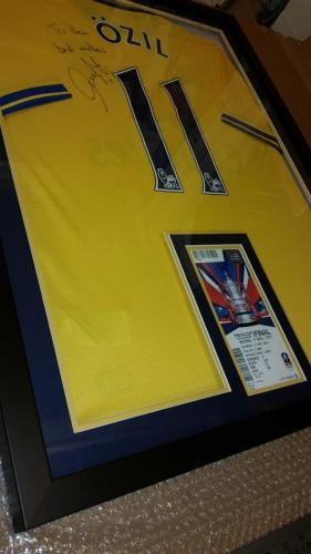 Arsenal - Mesut Özil signed shirt and ticket