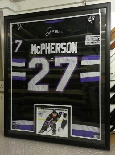 Ice-Hockey-Jersey-framing