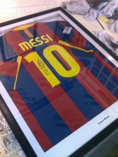 Lionel Messi signed Shirt Framed