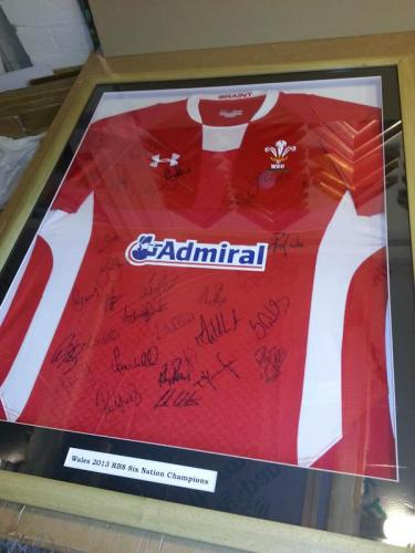 WRU 2013 Rugby Champions Team signed shirt